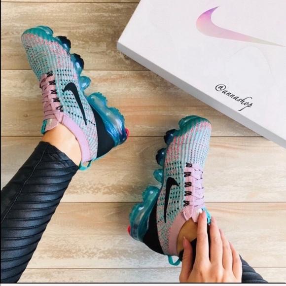 Nwt Nike Air Vapormax Flyknit 3